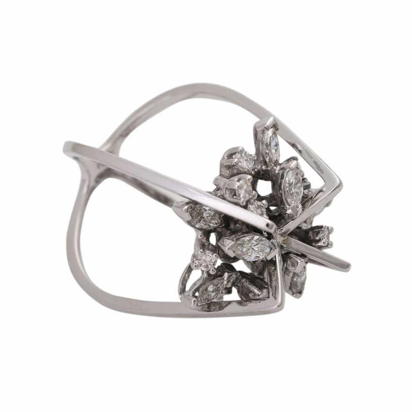 Design ring with diamonds - photo 2