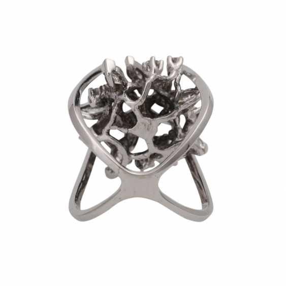 Design ring with diamonds - photo 4