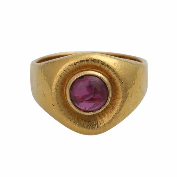 Ring mit Rubincabochon ca. 2 ct, - photo 1