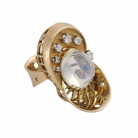 Ring with moon stone approx. 13 ct and brilliant-cut diamonds - photo 2