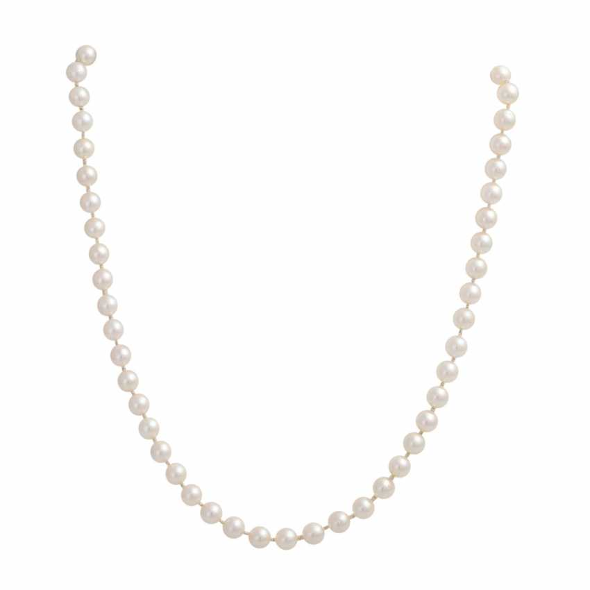 3 necklaces of Akoya cultured pearls - photo 2