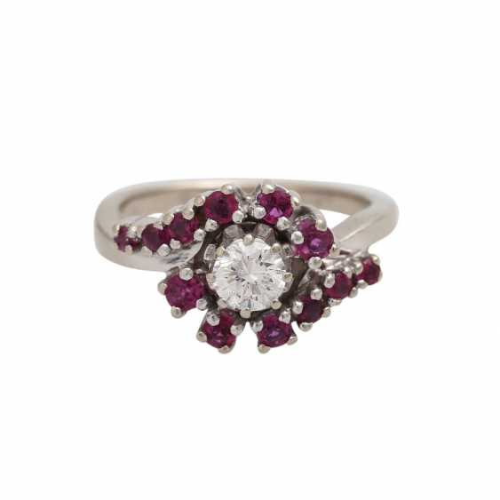 Ring with rubies and brilliant of approximately 0.4 ct, - photo 1