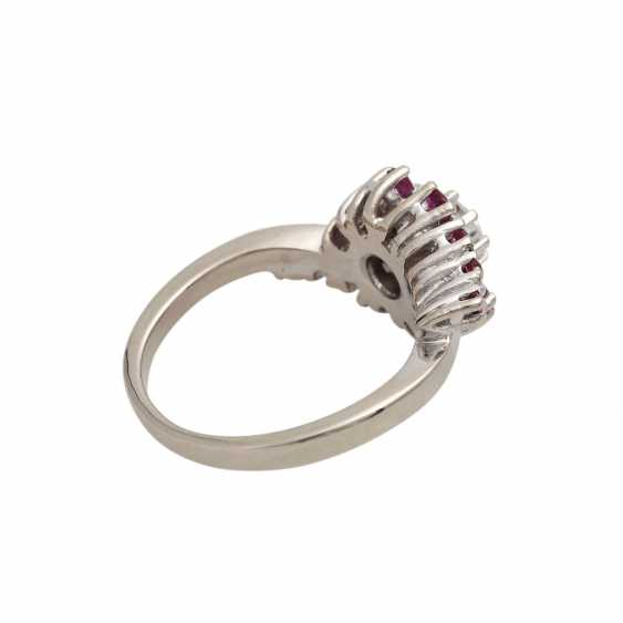 Ring with rubies and brilliant of approximately 0.4 ct, - photo 3