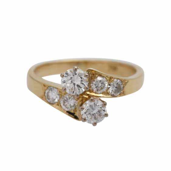 Ring with brilliant-cut diamonds together approximately 0.9 ct, - photo 1