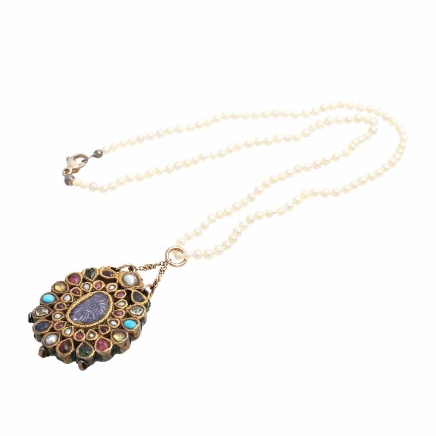 Pearl necklace with Oriental pendant - photo 3