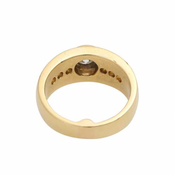 Ring mit zentralem Brillant ca. 0,5 ct, - photo 4