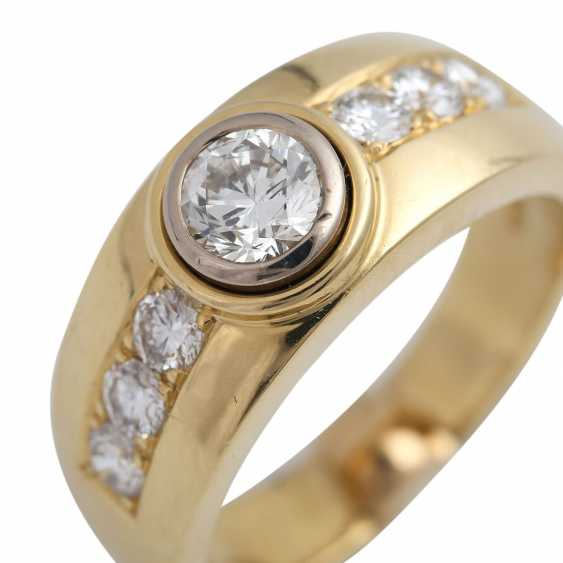 Ring mit zentralem Brillant ca. 0,5 ct, - photo 5