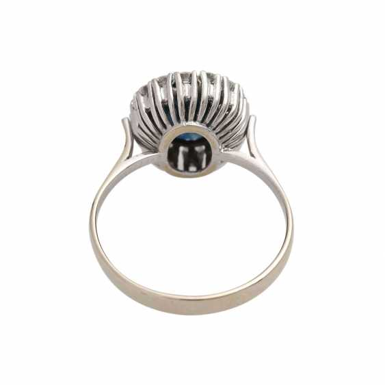 Ring with a large sapphire and diamonds - photo 4