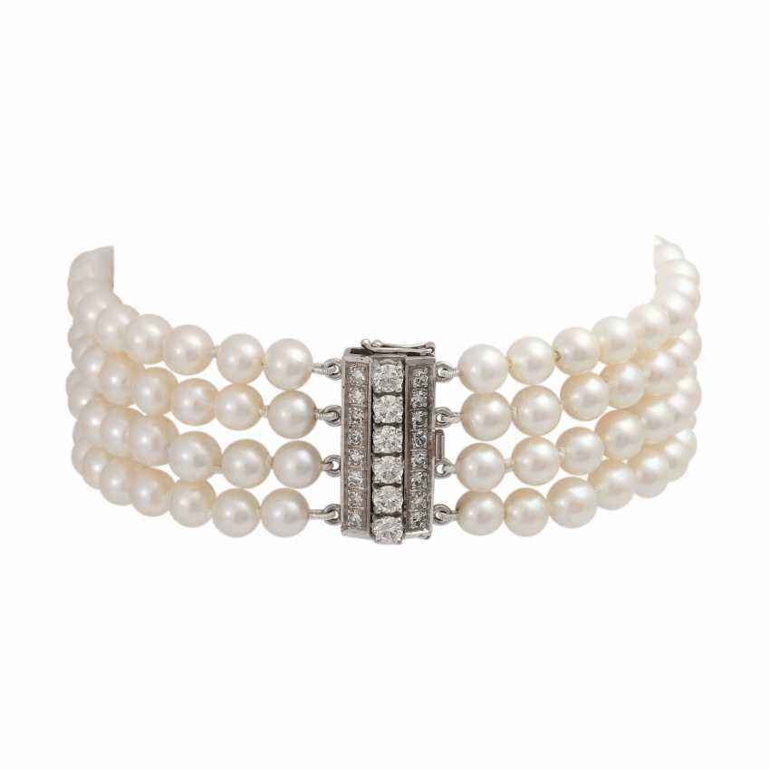 Pearl bracelet 4-complete rows with diamond, together is approximately 0.7 ct, - photo 2