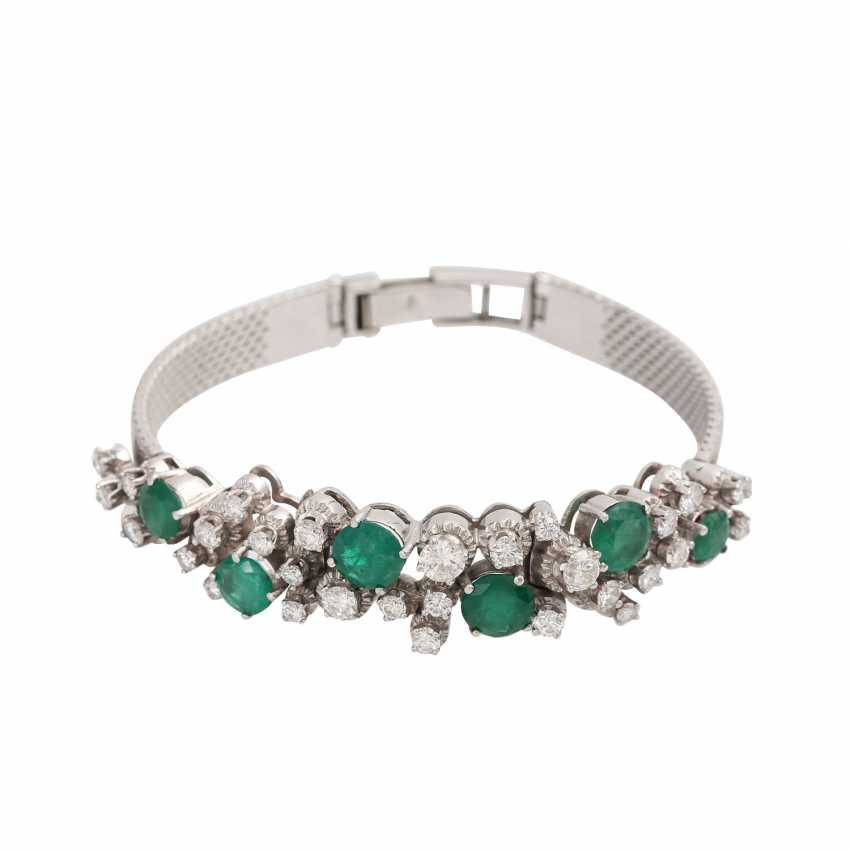 Bracelet with 6 emeralds, together CA. 4 ct and 30 brilliant-cut diamonds, together approx 2.2 ct, - photo 1