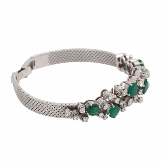 Bracelet with 6 emeralds, together CA. 4 ct and 30 brilliant-cut diamonds, together approx 2.2 ct, - photo 2