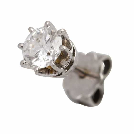 Pair of brilliant stud earrings approx. 1 ct - photo 5