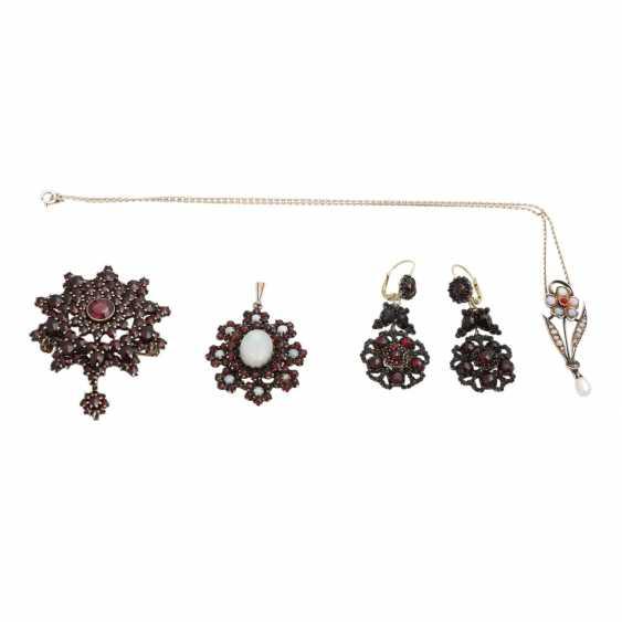 4 piece vintage antique jewelry - photo 1