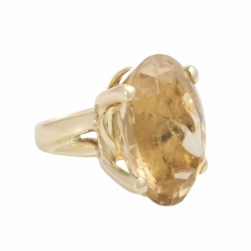 Ring with a large citrine, an oval fac. about 2,9x2,2 cm, - photo 2