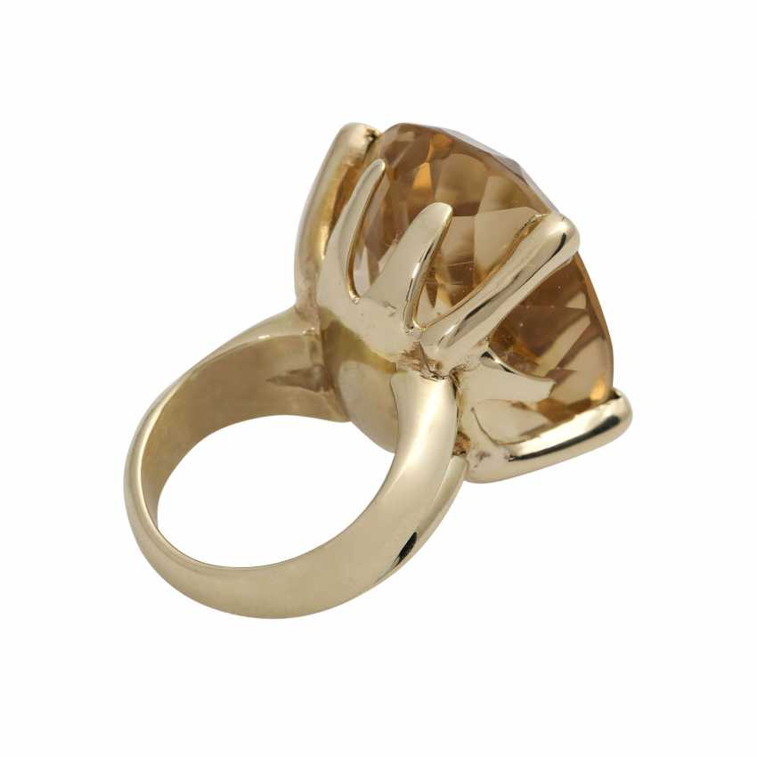Ring with a large citrine, an oval fac. about 2,9x2,2 cm, - photo 3