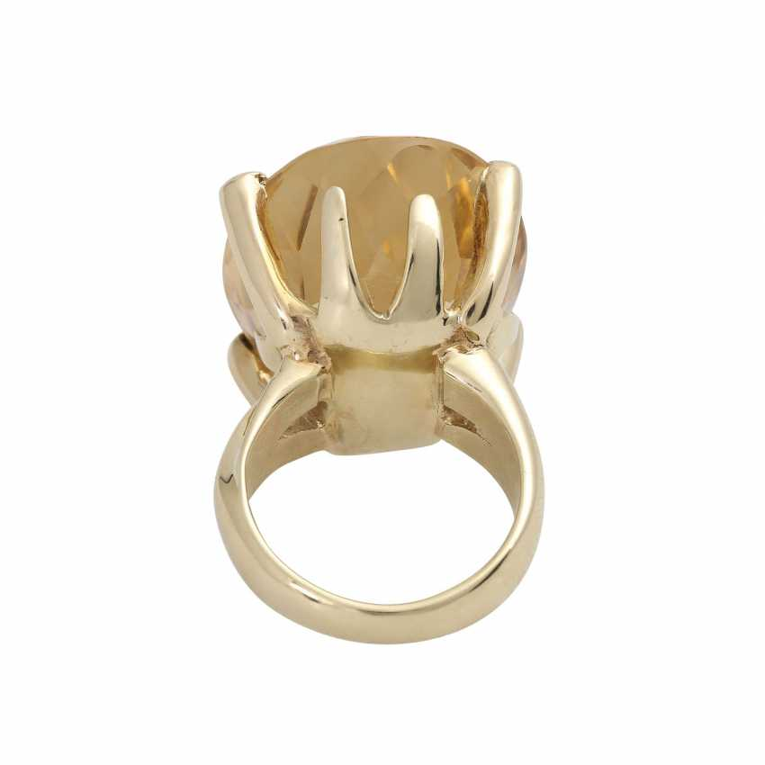 Ring with a large citrine, an oval fac. about 2,9x2,2 cm, - photo 4