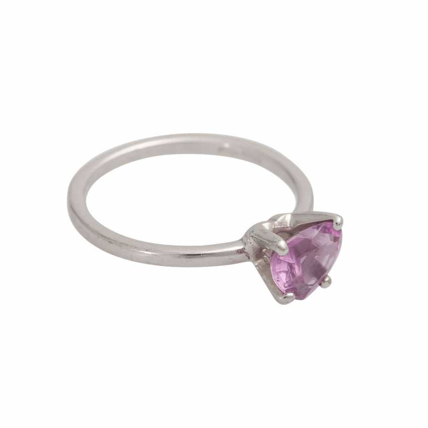 Ring with a pink sapphire, heart,faceted, shaped, - photo 2