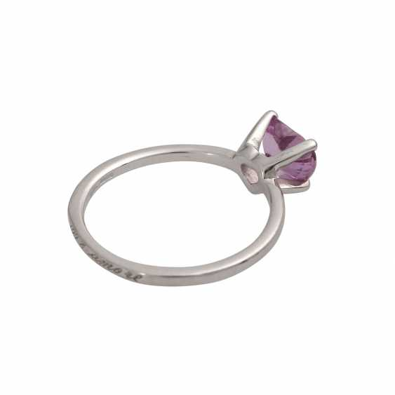 Ring with a pink sapphire, heart,faceted, shaped, - photo 3