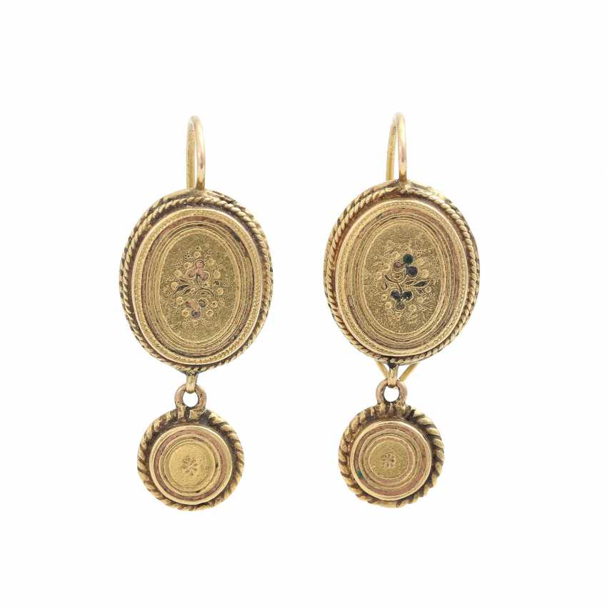 Earrings, of oval Form with round followers, - photo 1