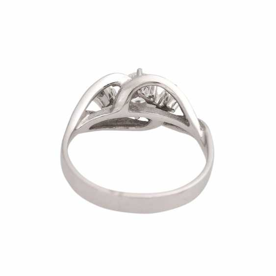 Ring with brilliant-cut diamonds, together CA. 0,60 ct - photo 4