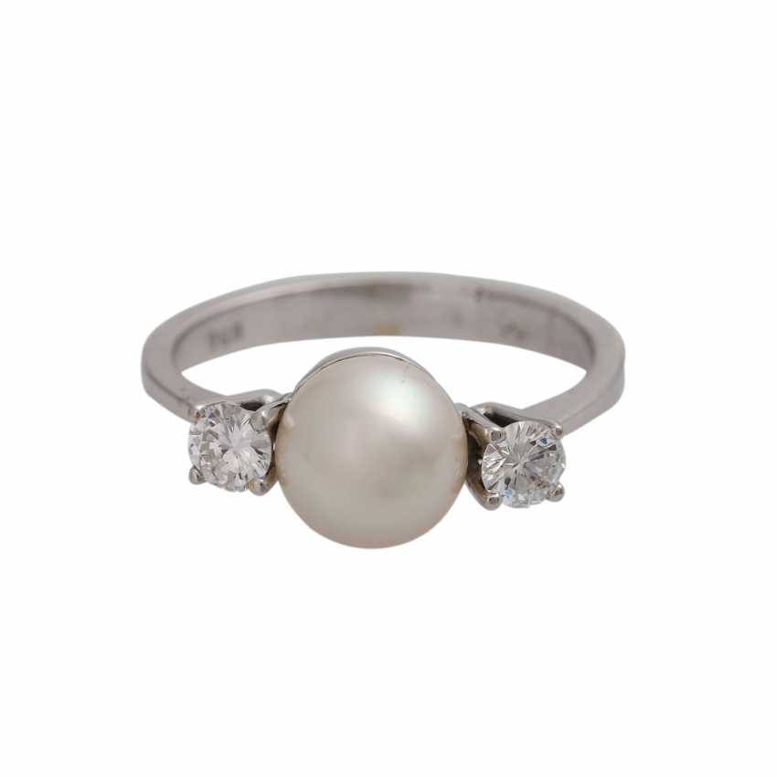 Ring with pearl and diamonds together approx 0.2 ct, - photo 1