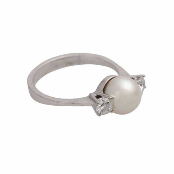 Ring with pearl and diamonds together approx 0.2 ct, - photo 2
