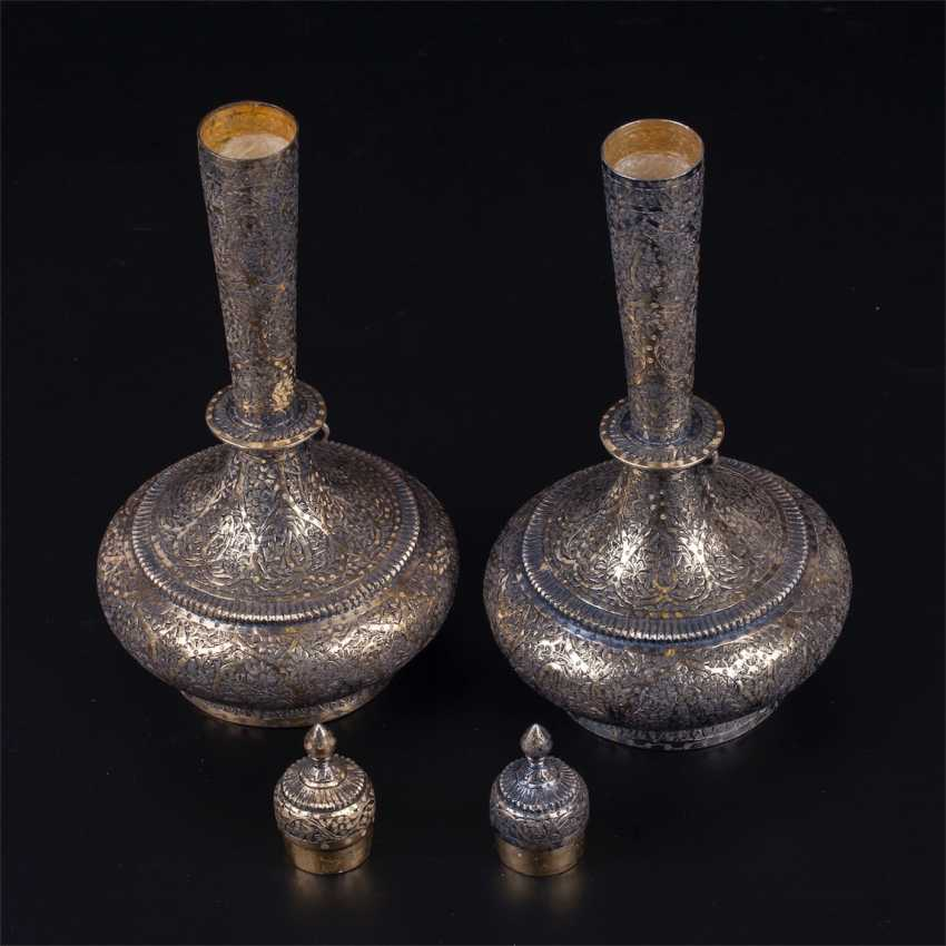 A pair of silver Indian vessels - photo 3
