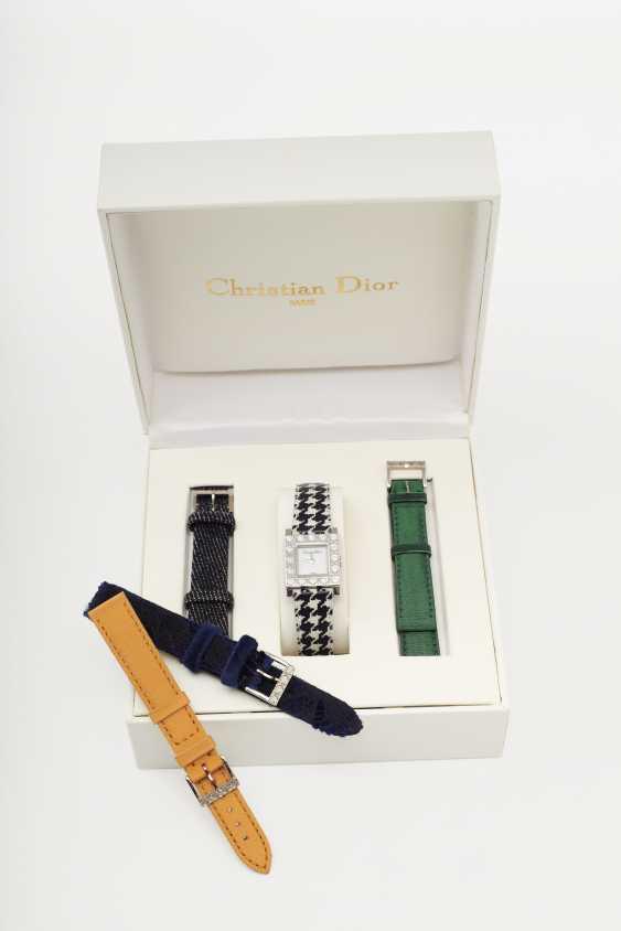 Damenarmbanduhr. Paris, Christian Dior Accessoires Kollektion 1997, Dior Boutique/ Dior Accessoires für Christian Dior, Paris, Ref: D60-109 - photo 1