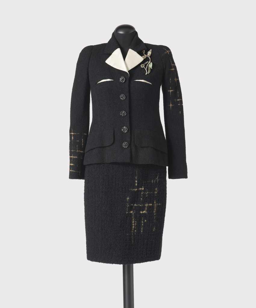 Costume 2-piece with brooch. Christian Lacroix Christian Lacroix Haute Couture, Paris, collection, autumn-Winter 1994 - photo 1