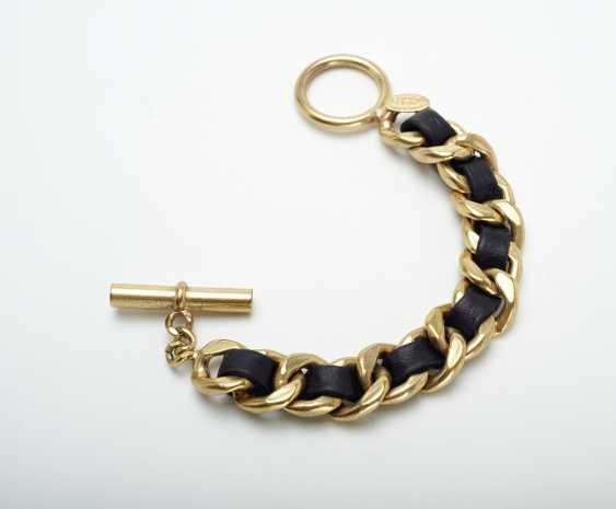 Armband. Karl Lagerfeld für Chanel Boutique , Paris . Kollektion Prêt-à-Porter Winter 1991 - Foto 1