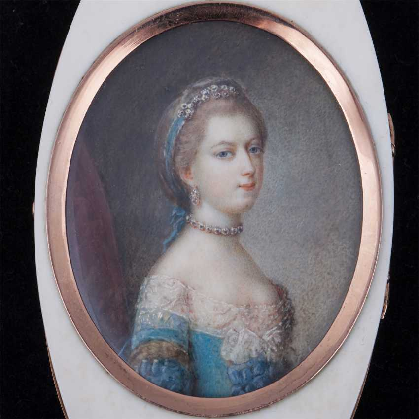 Pocket powder box with portrait of Marie Antoinette - photo 4