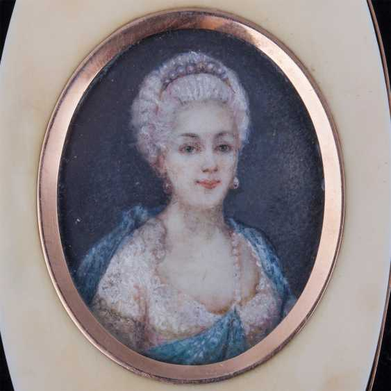 Pocket powder box with portrait of Marie Antoinette - photo 5