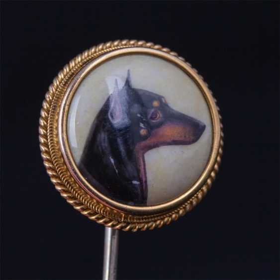 Gold pin with the image of Manchester.Terrier - photo 2
