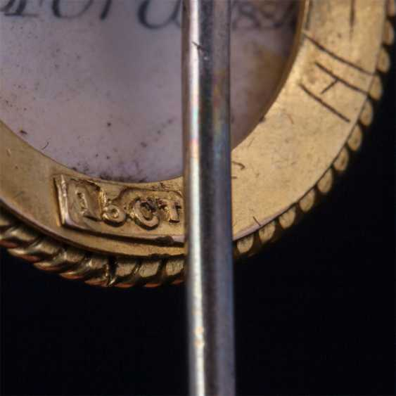 Gold pin with the image of Manchester.Terrier - photo 4