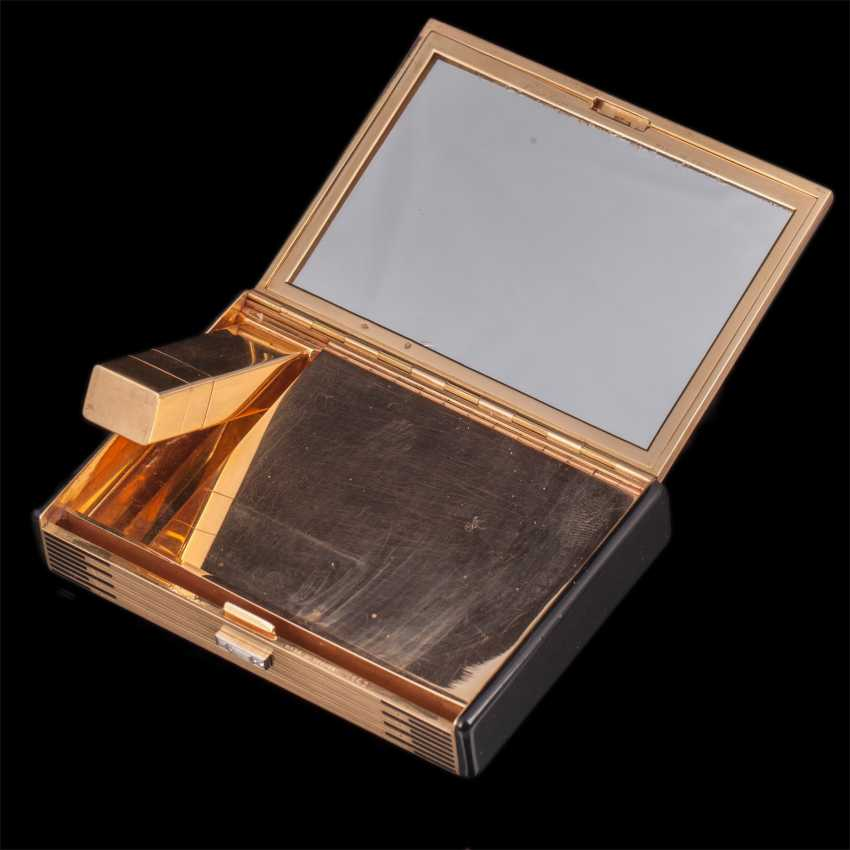 Gold cosmetic bag with diamonds from Cartier - photo 3