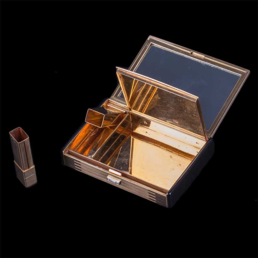 Gold cosmetic bag with diamonds from Cartier - photo 4