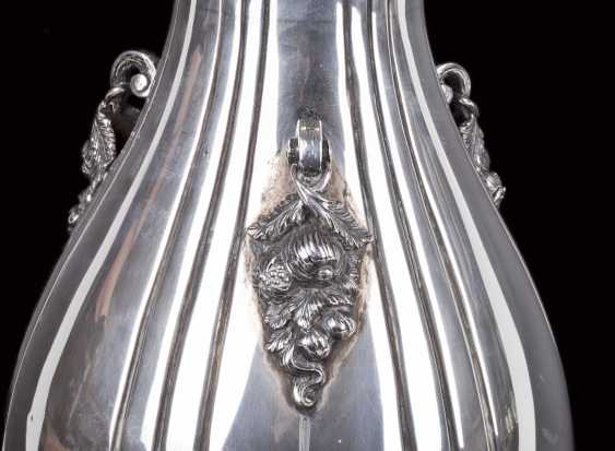 Silver vase with floral motifs - photo 6