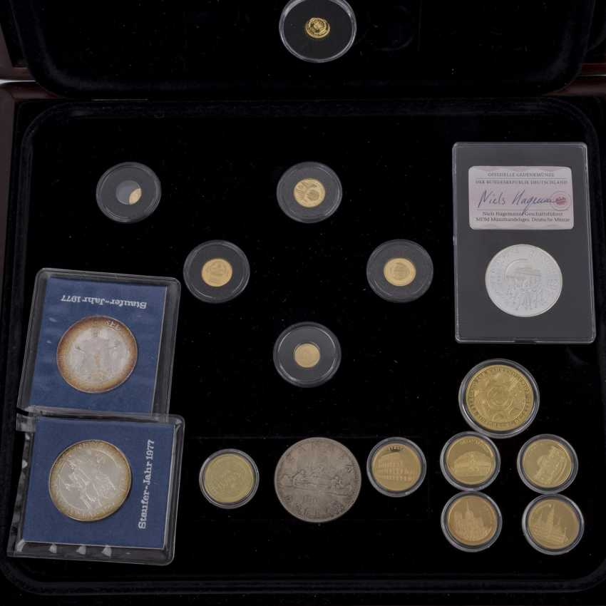 A mixed collection of coins and medals, with a lot of GOLD - photo 2
