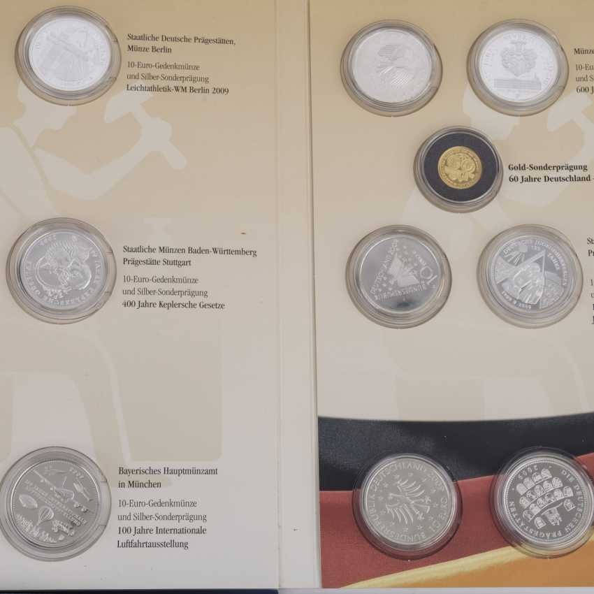 A mixed collection of coins and medals, with a lot of GOLD - photo 4