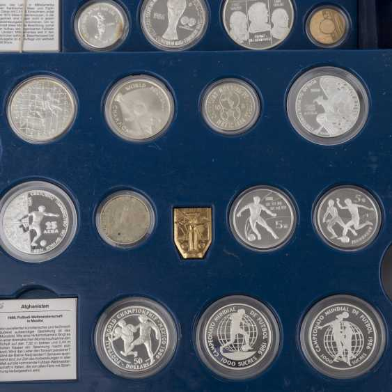 Commemorative coins for the football world Cup 1986 in Mexico with GOLD, - photo 4