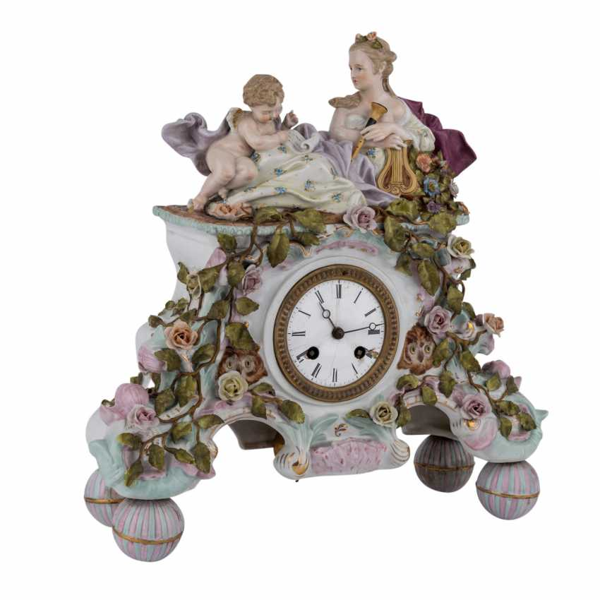 "GEBRÜDER VOIGT porcelain manufactory/Sitzendorf figurine pendulum clock ""allegory of poetry"", 1887-1900. - photo 1"
