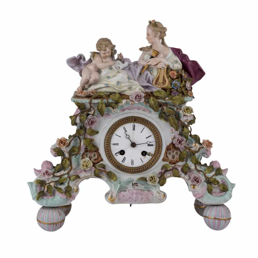 "GEBRÜDER VOIGT porcelain manufactory/Sitzendorf figurine pendulum clock ""allegory of poetry"", 1887-1900. - photo 2"