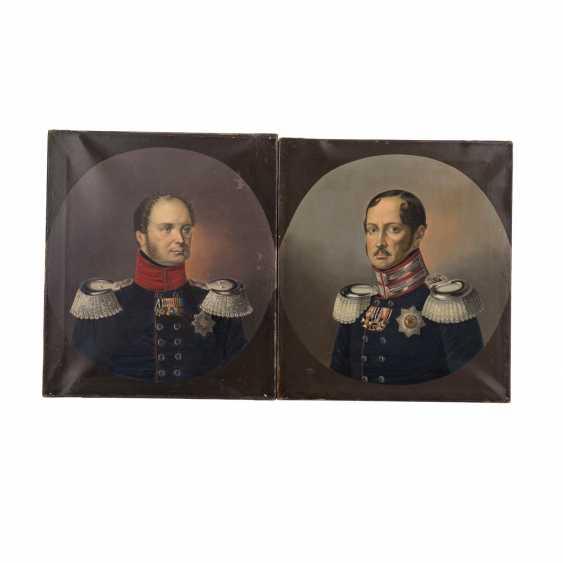 "Portrait artist of the 19th century. Century, 2 portraits ""officers High German"" - photo 1"