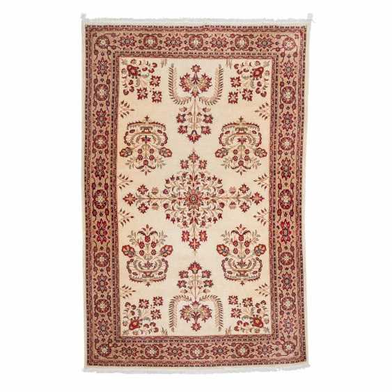 Orientteppich. PERSIEN/ARAK, 20. Jahrhundert, ca. 300x200 cm - Foto 1