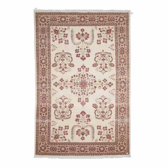 Orientteppich. PERSIEN/ARAK, 20. Jahrhundert, ca. 300x200 cm - Foto 2