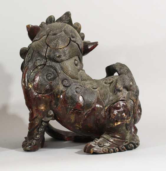 Paar Fo Löwen , Holz geschnitzt, Originale Farbe, teilweise durchbrochen gearbeitet, Ming-Dynastie - Foto 2