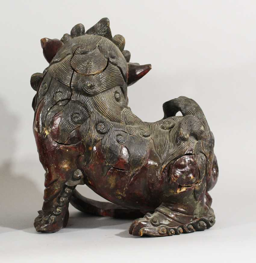 Pair of Fo Lions , Wood carved, original paint, partly open work, Ming Dynasty - photo 2