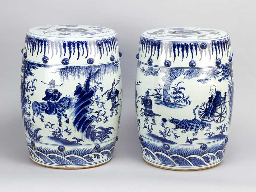 Chinese Porcelain garden seats, blue painted, a pair, Qing Dynasty - photo 1