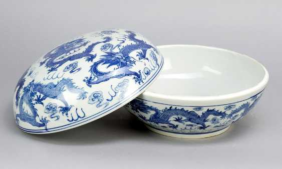 Chinese Porcelain round Box, painted, Qing Dynasty - photo 2
