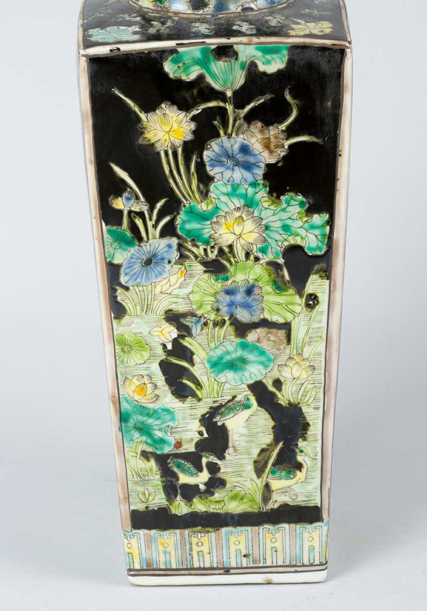 Pair of Chinese Porcelain vases, Qing Dynasty - photo 3